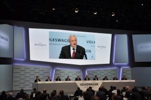 Winterkorn kondigde bij de jaarbijeenkomst een plan aan om de kosten te verlagen bij VW Foto: Maurits Kuypers