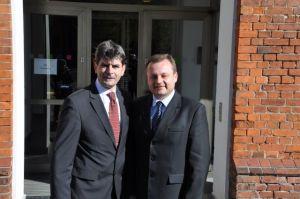 De twee burgemeesters voor het stadhuis van Frankfurt an der Oder, Foto: MK
