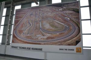 Testen gebeurt op een  enorm circuit een stukje buiten Boekarest, Foto MK