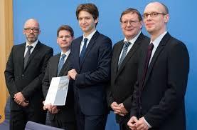 De instituten stellen hun rapport over de stand van de economie voor in Berlijn