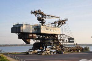 Deze reusachtige transportmachine voor bruinkolen is nu het decor voor een van de grootste Europese dansfeesten: het Melt festival