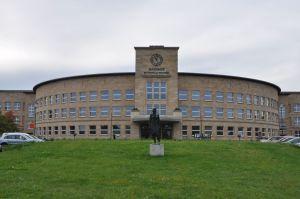 Het stadhuis van Bitterfeld-Wolfen was ooit het hoofdkwartier van IG Farben
