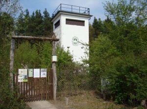 Voormalige wachttoren nu van de Deutsche Waldjugend