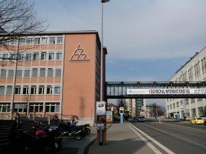 Carl Zeiss werkt veel samen met universiteiten en andere onderwijsinstellingen zoals de Hogeschool