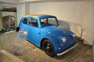 Het ontwerp voor een Tsjechische Volksauto zou gestolen worden door Volkswagen die jaren later Tatra hier een kleine schadevergoeding betaalde