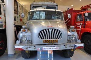 Of deze expeditiewagen, iets wat zeer populair was in Tsjechië toen de grenzen open gingen ...