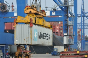 Het schip de Essen Express in de haven van Gdansk, Foto MK