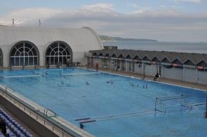 En volgens mij waren de schoonzwemmers aan het oefenen voor Olympia, Foto MK