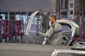 In Roemenië is veel oude industrie verloren gegaan of verkocht aan Westerse investeerders zoals Renault (Dacia)