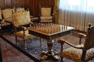Een interessant museum waar weinig Roemenen komen omdat het te pijnlijk is, het huis van Ceaucescu waar alles goud blinkt.